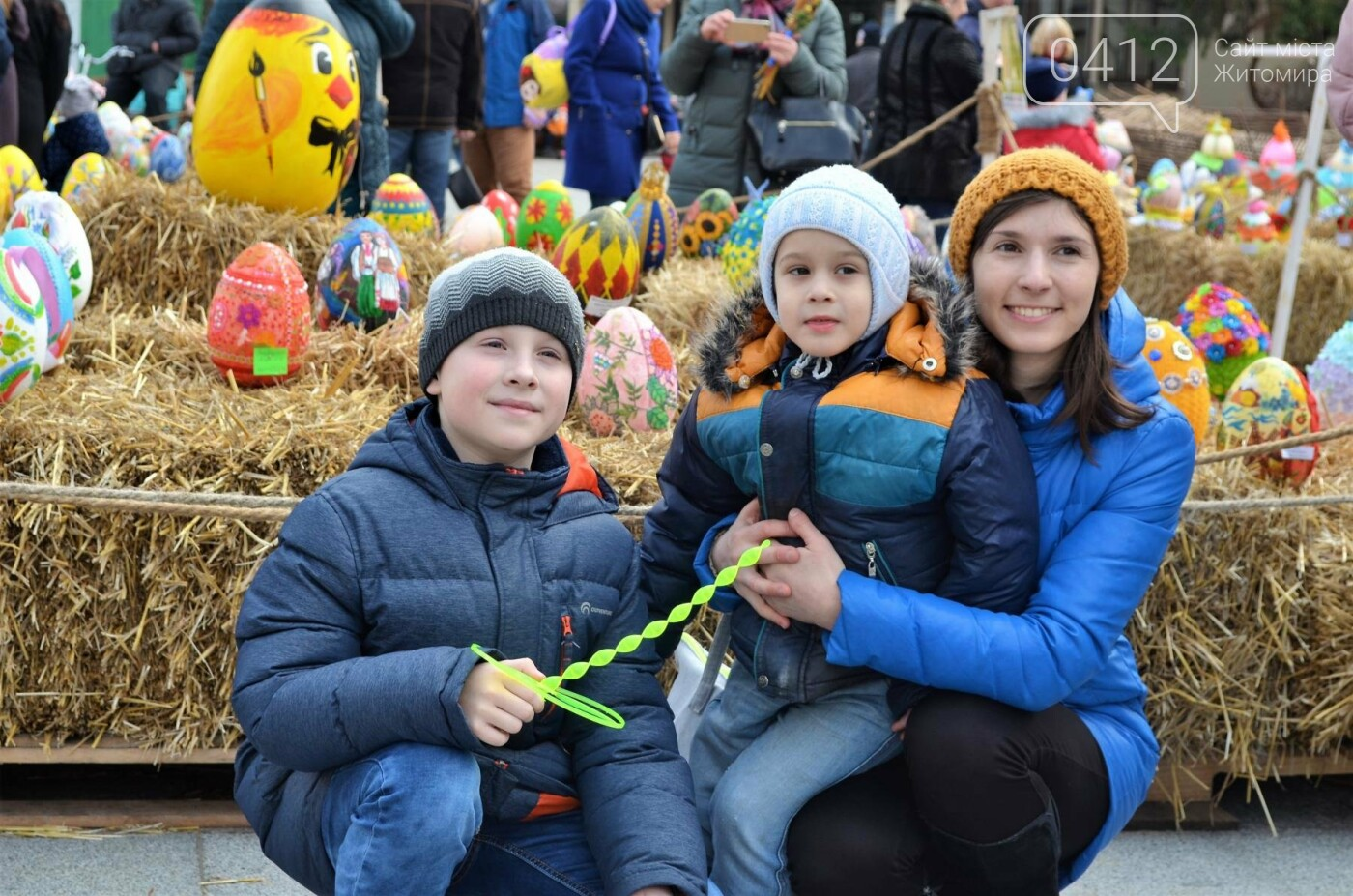 Ярмарок, фотолокації та розваги: у Житомирі розпочалися Великодні святкування, фото-2