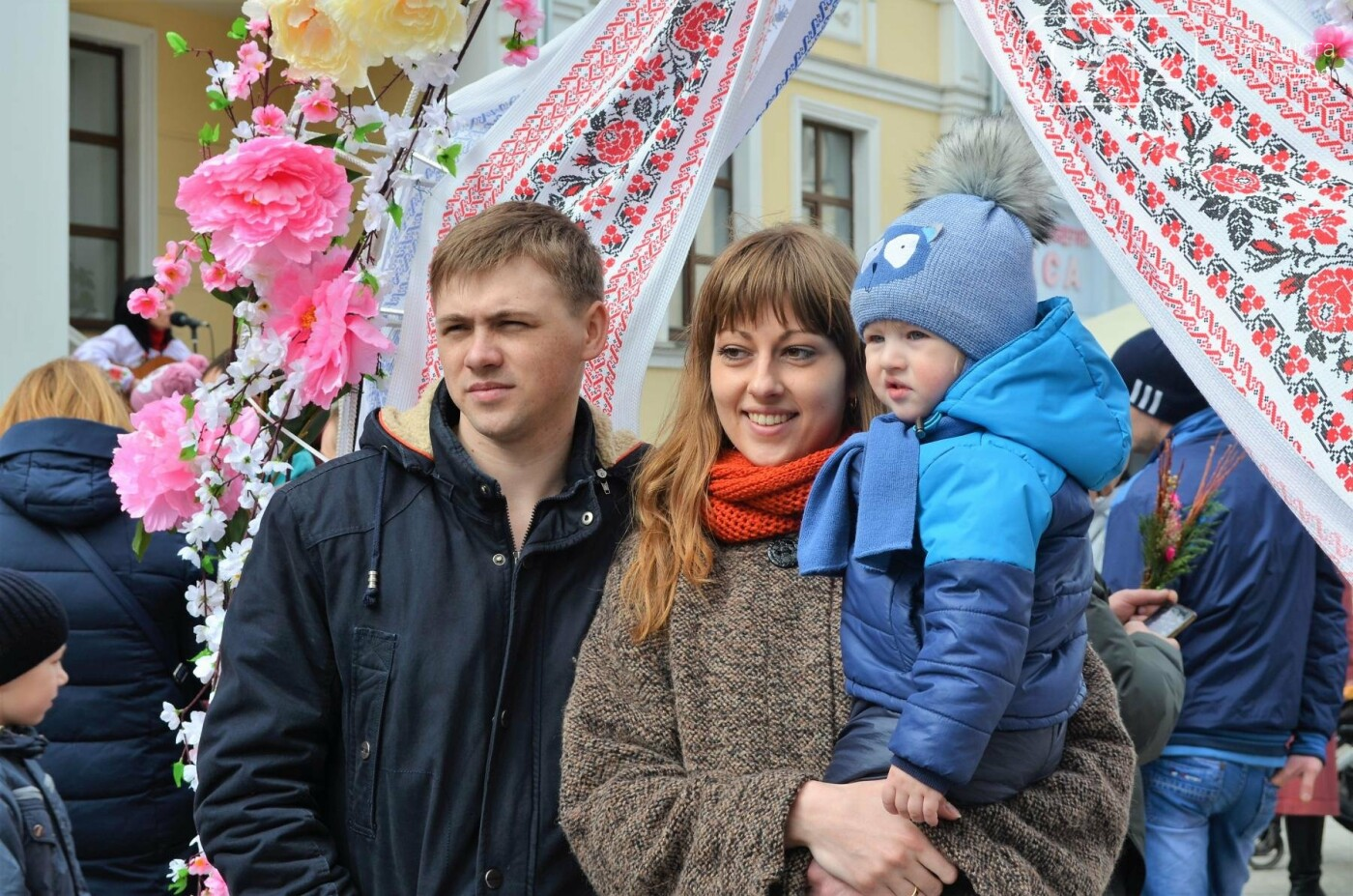 Ярмарок, фотолокації та розваги: у Житомирі розпочалися Великодні святкування, фото-10