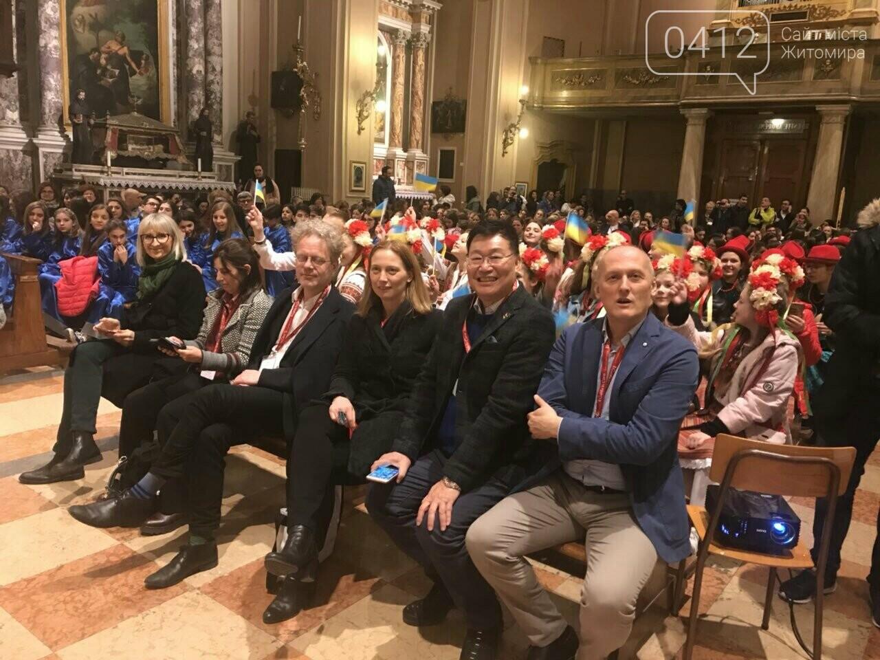 """Житомирський хор """"Gloria"""" привіз із Італії срібні нагороди, диплом та спеціальний приз, фото-2"""