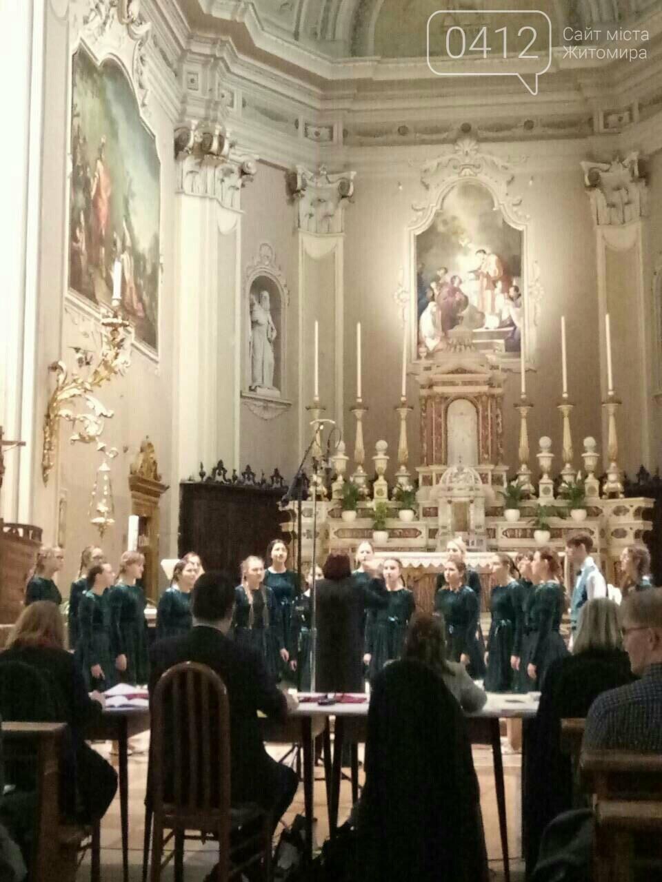 """Житомирський хор """"Gloria"""" привіз із Італії срібні нагороди, диплом та спеціальний приз, фото-5"""