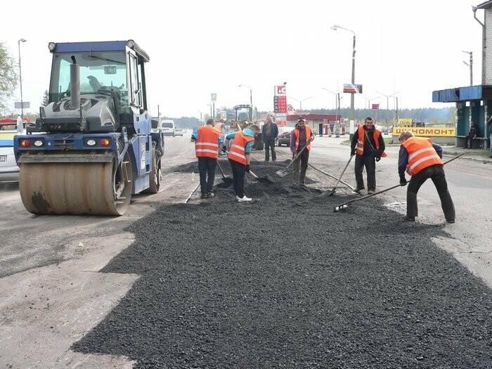 Де і як ремонтують дороги Житомирщини, фото-1