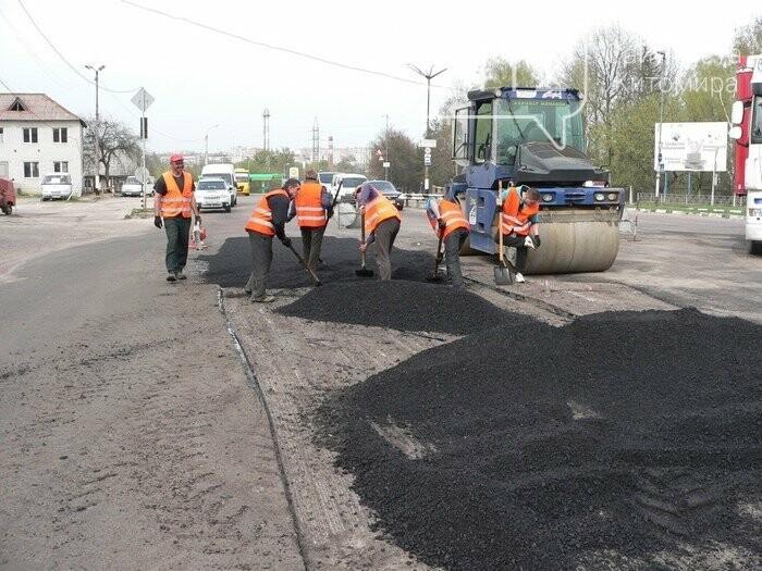 Де і як ремонтують дороги Житомирщини, фото-3