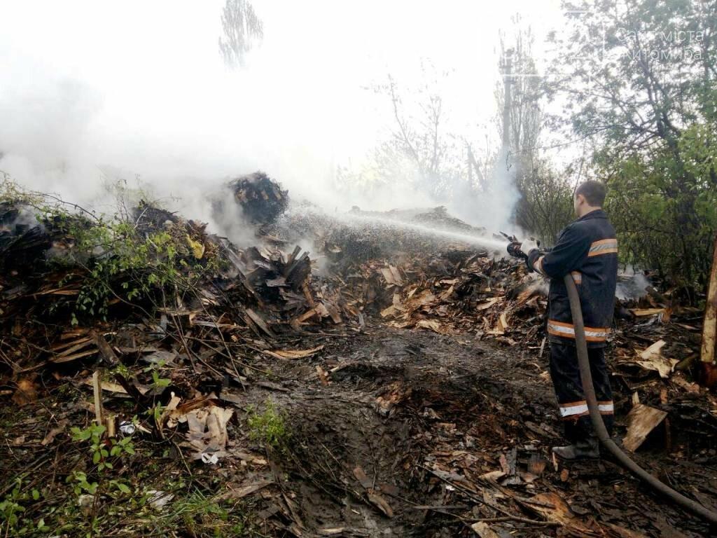 Шість годин рятувальники долали пожежу на підприємстві під Бердичевом, фото-2