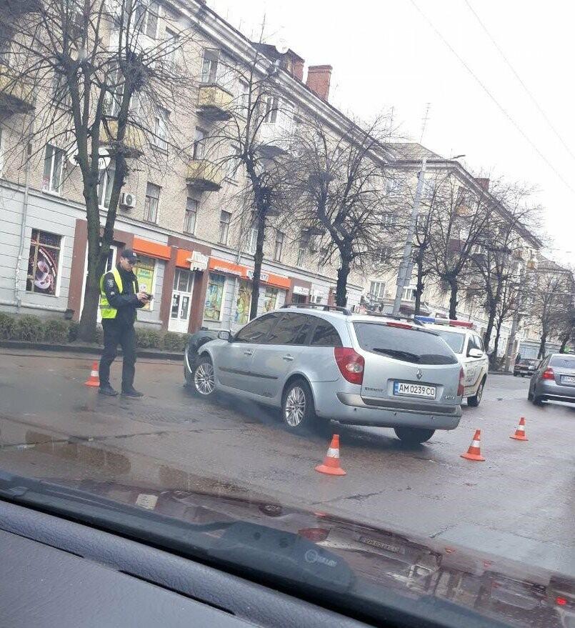 На центральній вулиці Житомира сталося ДТП, фото-2
