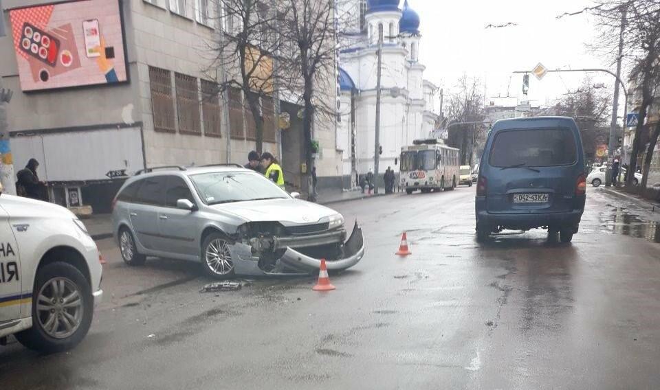 На центральній вулиці Житомира сталося ДТП, фото-3