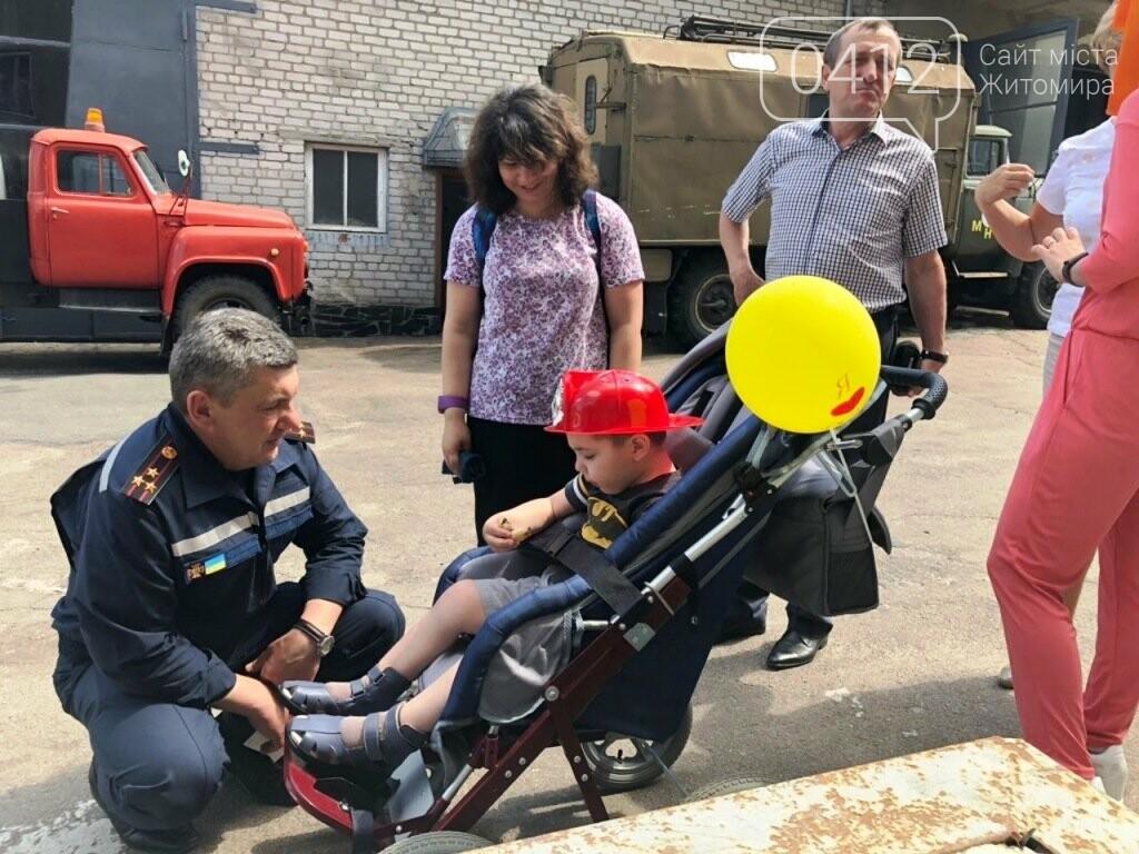 Мрії збуваються! Вогнеборці Житомира влаштували свято для хворого хлопчика, фото-4