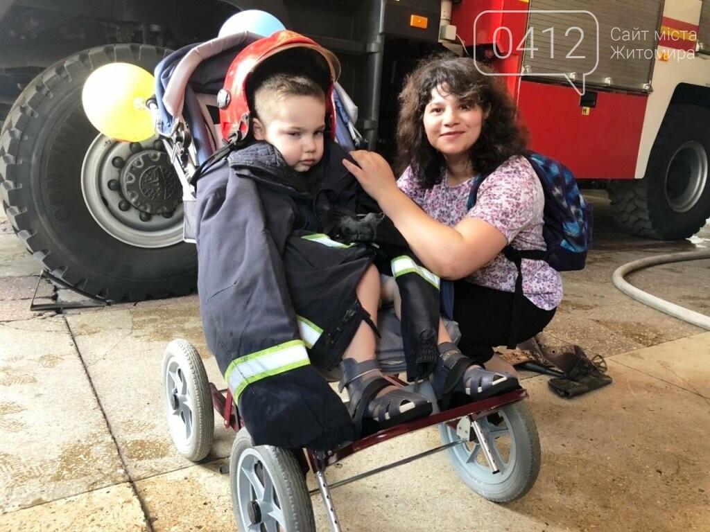 Мрії збуваються! Вогнеборці Житомира влаштували свято для хворого хлопчика, фото-6