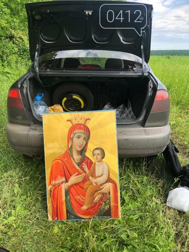 У Житомирській області затримали чоловіка, що викрадав ікони по церквах України, фото-4