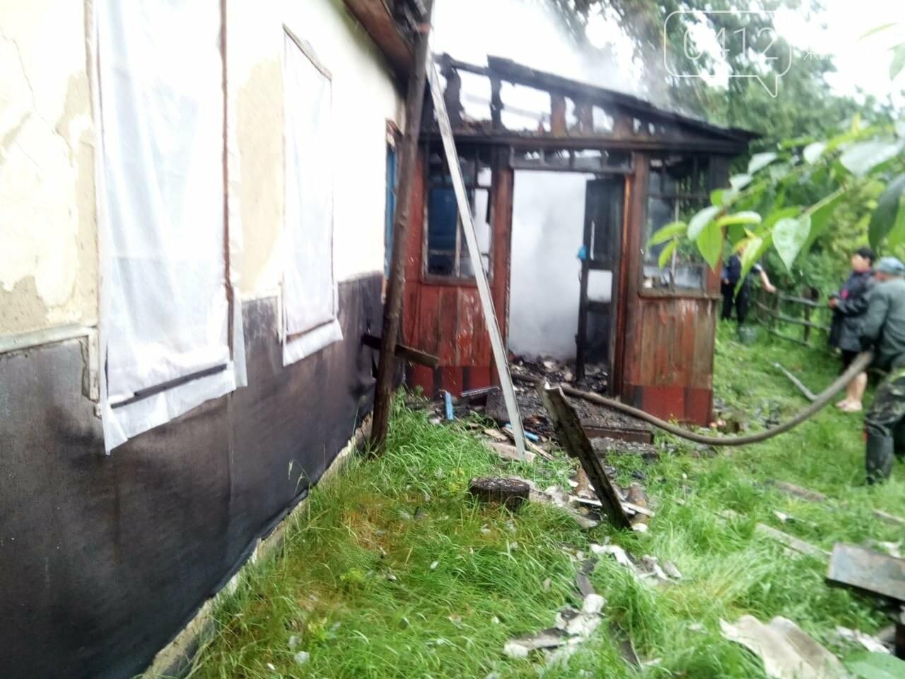 Унаслідок пожежі на Житомирщині знищено дах приватного будинку, фото-2