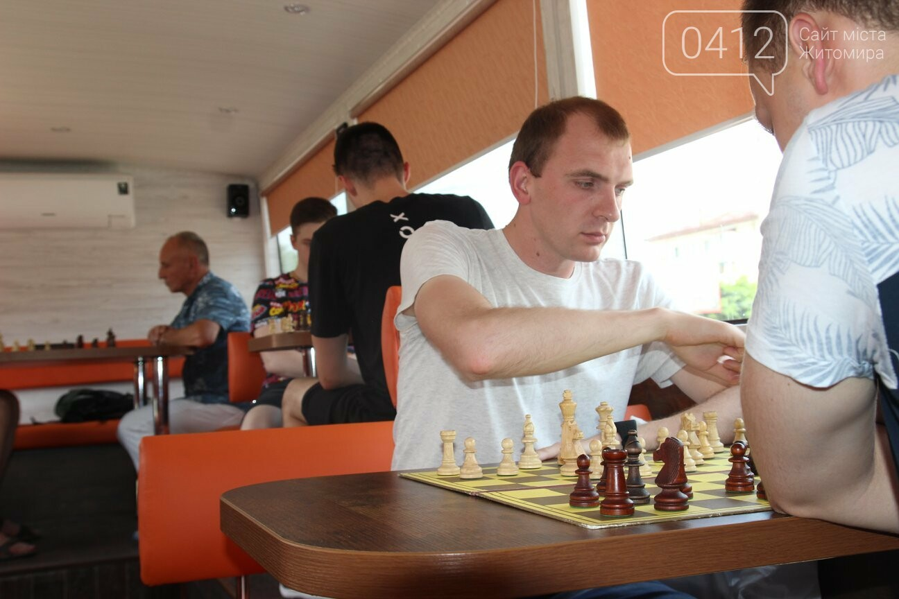 У Житомирі відбувся шаховий бліц-турнір в кава-бусі, фото-4