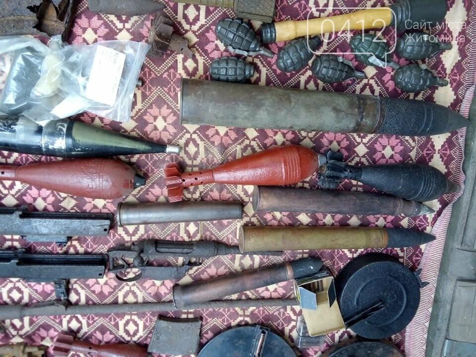 На Житомирщині чоловік зробив колекцію боєприпасів часів Другої світової, фото-6