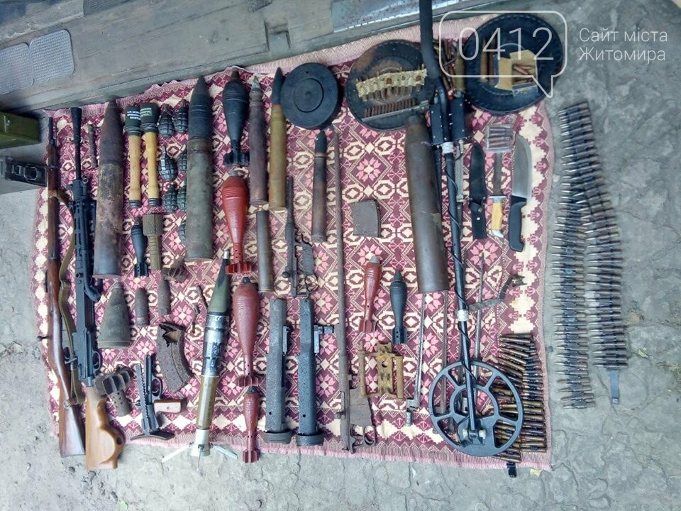На Житомирщині чоловік зробив колекцію боєприпасів часів Другої світової, фото-3