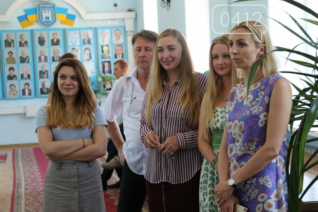 У Житомирській міській раді відкрилась фотовиставка, фото-3