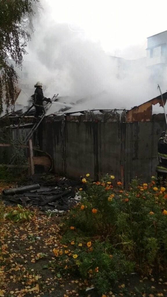 У Житомирі горіла приватня лазня, фото-2