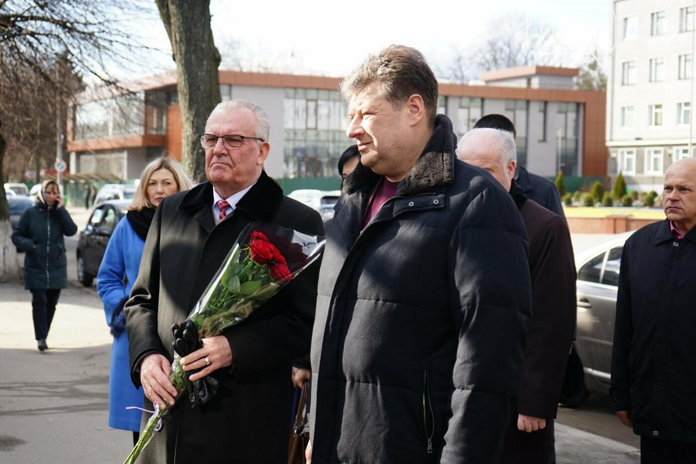 Рідних Героїв Небесної Сотні Житомирщини відвідав Віталій Бунечко, фото-1