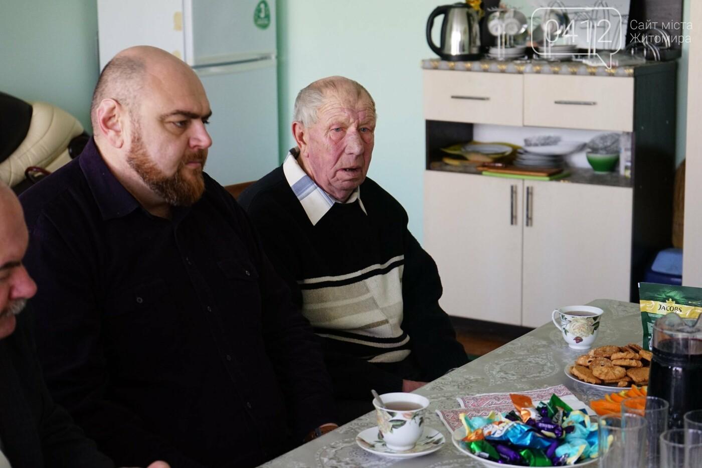 Рідних Героїв Небесної Сотні Житомирщини відвідав Віталій Бунечко, фото-7