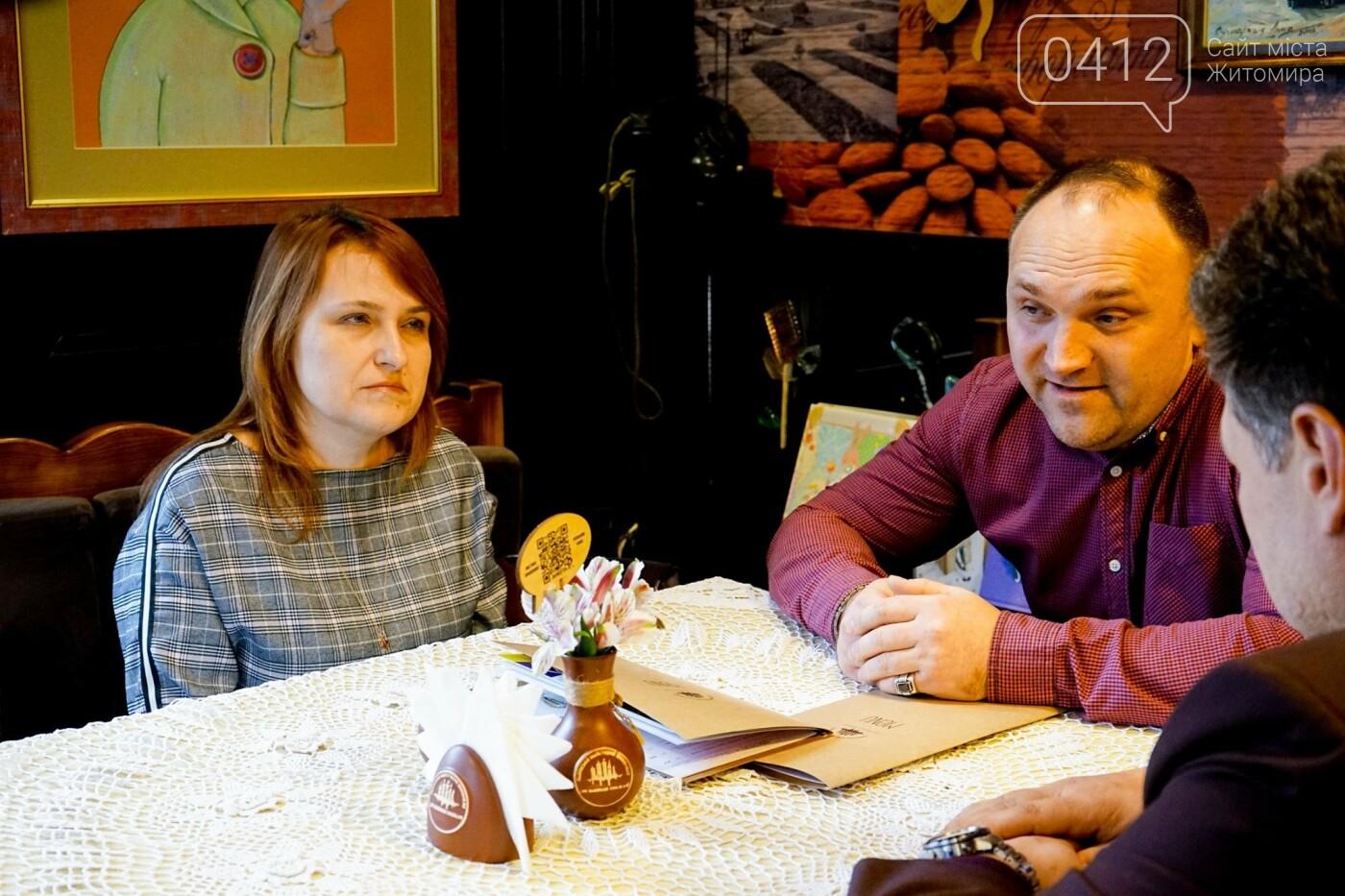 Рідних Героїв Небесної Сотні Житомирщини відвідав Віталій Бунечко, фото-8