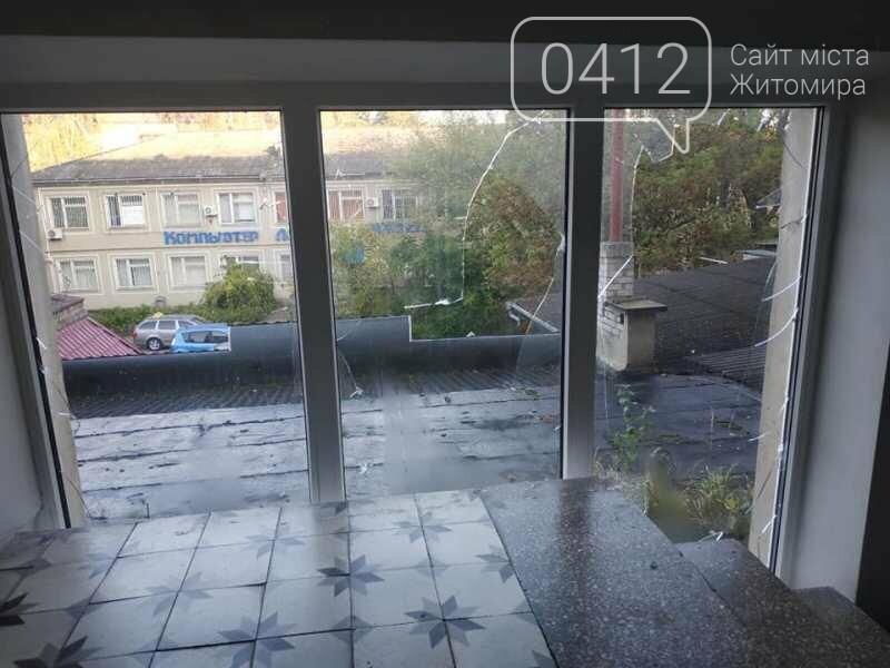 У Коростені на даху однойменного готелю пролунав вибух, фото-4