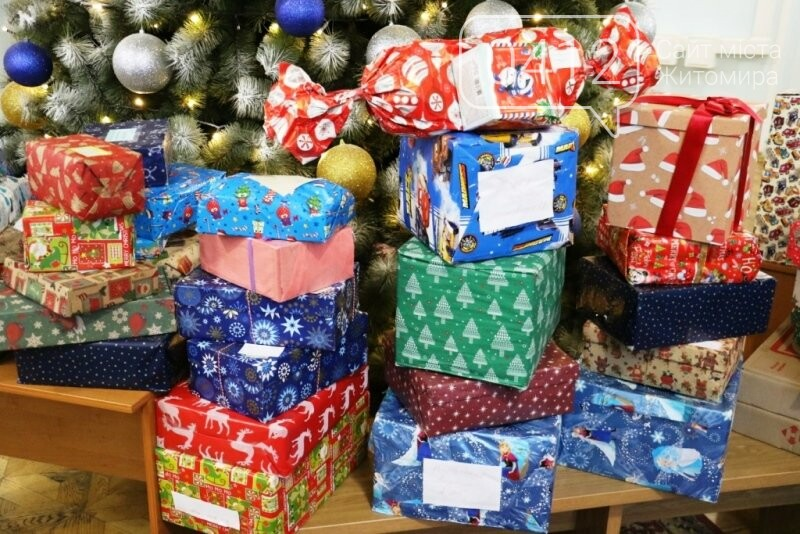 У Житомирі відбулася соціальна акція «Різдво в коробці», фото-9