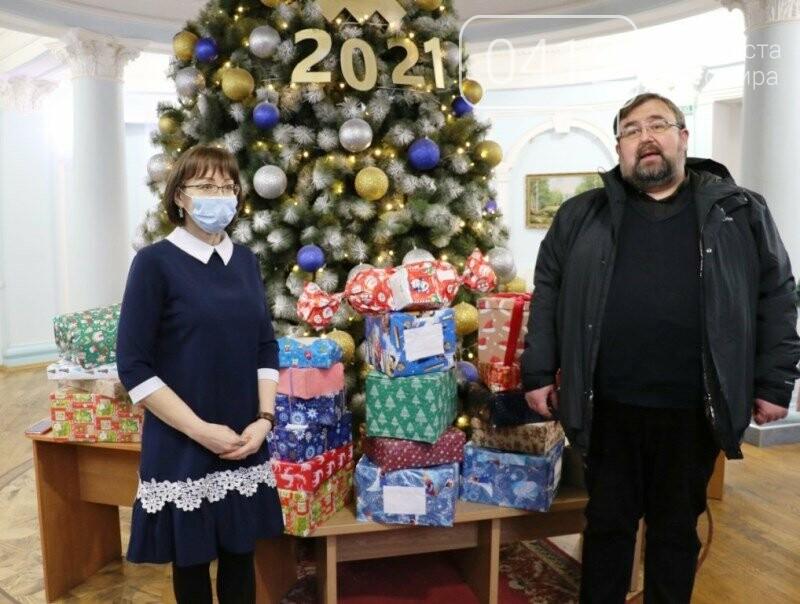 У Житомирі відбулася соціальна акція «Різдво в коробці», фото-2