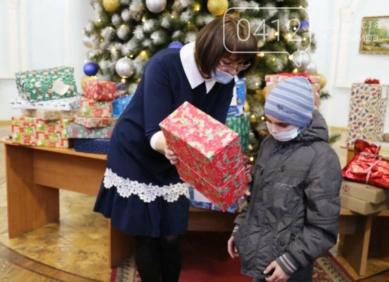 У Житомирі відбулася соціальна акція «Різдво в коробці», фото-3