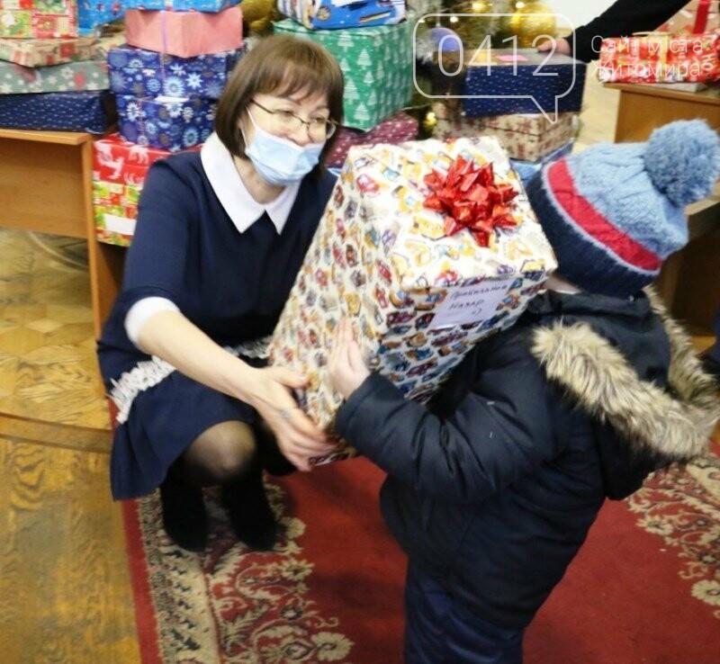 У Житомирі відбулася соціальна акція «Різдво в коробці», фото-4