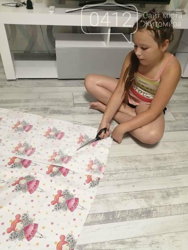 10-річна дизайнерка з Житомира шиє одяг, м'які іграшки, проводить благодійні розіграші-аукціони!, фото-2