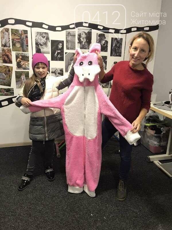 10-річна дизайнерка з Житомира шиє одяг, м'які іграшки, проводить благодійні розіграші-аукціони!, фото-5