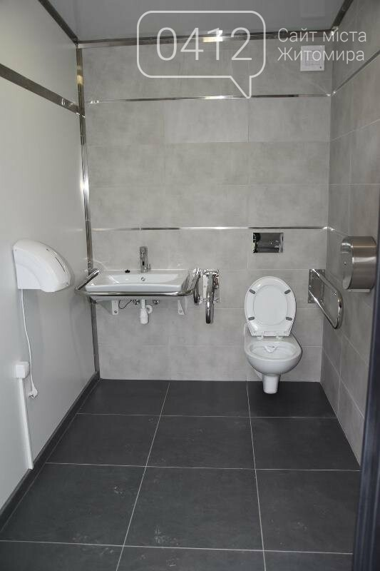 Скористатися нововідкритим туалетом на центральній площі Коростеня можна за 1 гривню, фото-2