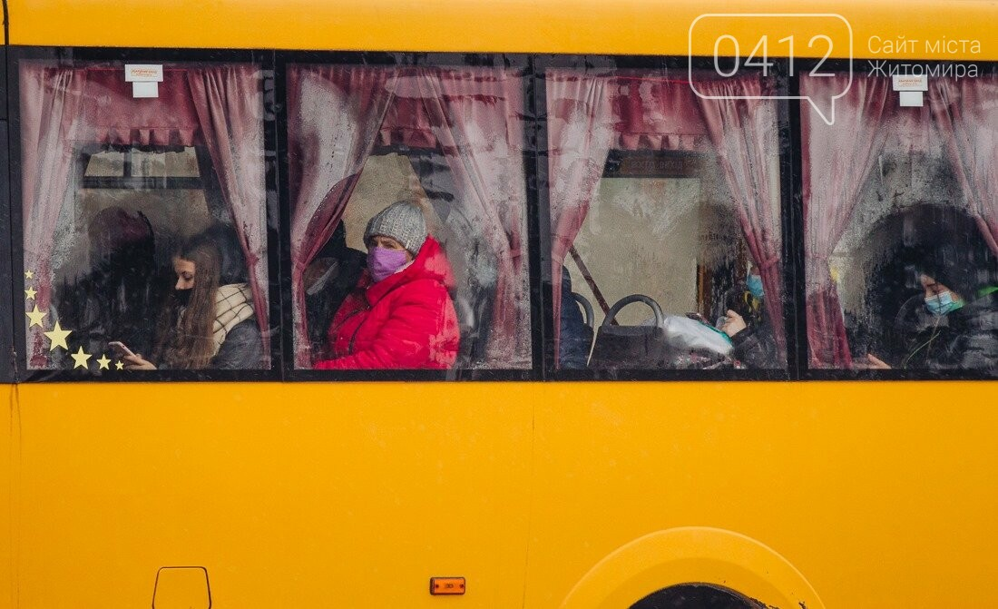 У ритмі зимового міста: колорит засніжених вулиць Житомира. ФОТО, фото-22
