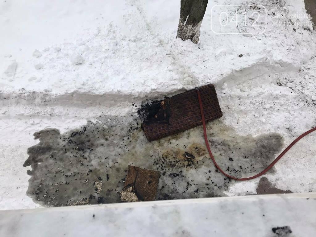 На Житомирщині вогнеборці врятували на пожежі чоловіка, фото-3
