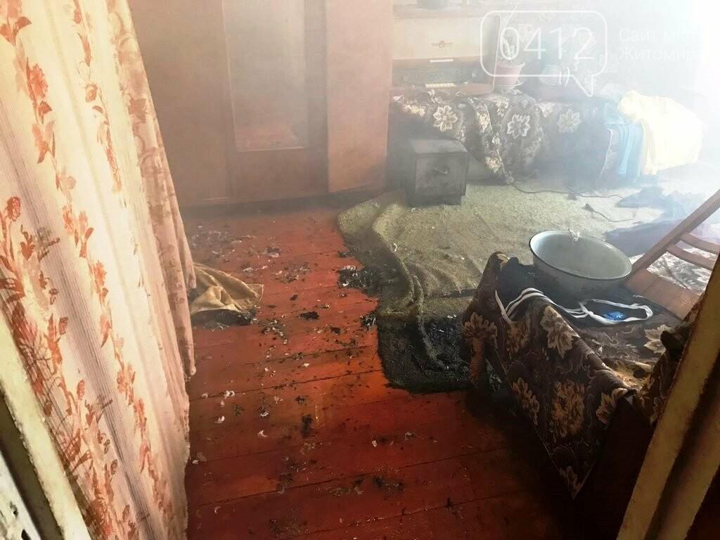 На Житомирщині вогнеборці врятували на пожежі чоловіка, фото-4