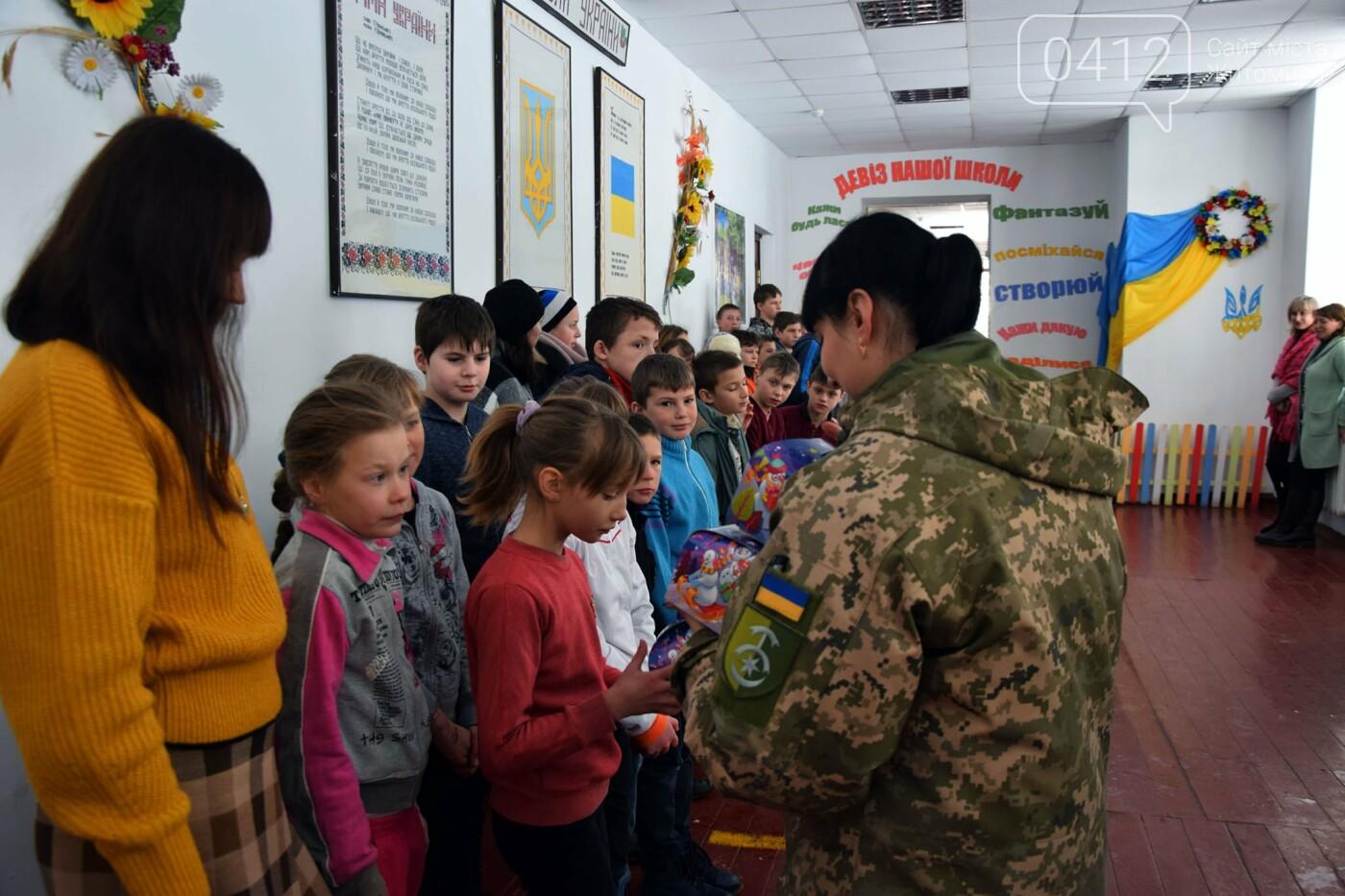 Щирі посмішки та емоції: Як діти зі школи-інтернату з військовими «тридцятки» зустрілися. ФОТО, фото-8