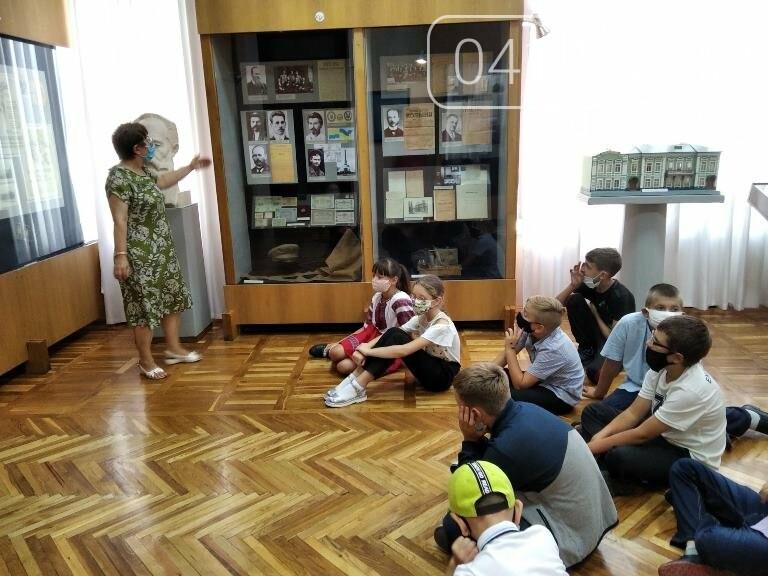 У Житомирському обласному краєзнавчому музеї в середньому замовляють понад тисячу екскурсій в рік, фото-1