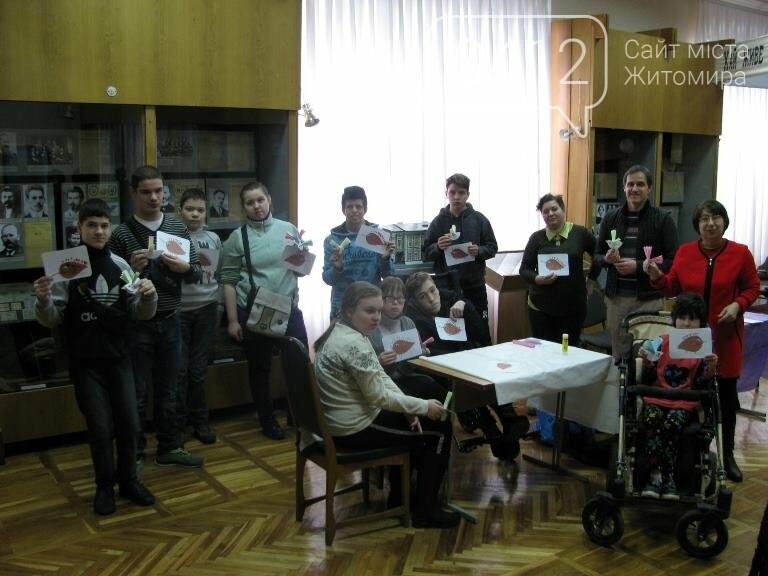 У Житомирському обласному краєзнавчому музеї в середньому замовляють понад тисячу екскурсій в рік, фото-5