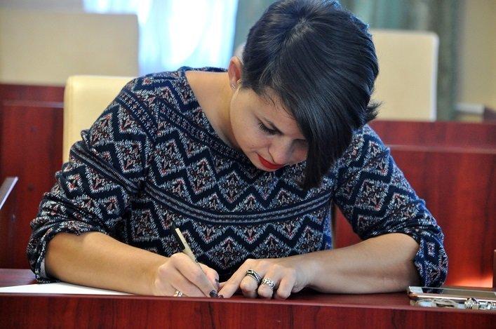 Працівники Житомирської облдержадміністрації написали радіодиктант національної єдності, фото-2