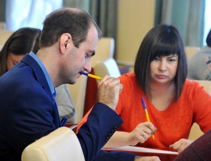Працівники Житомирської облдержадміністрації написали радіодиктант національної єдності, фото-4