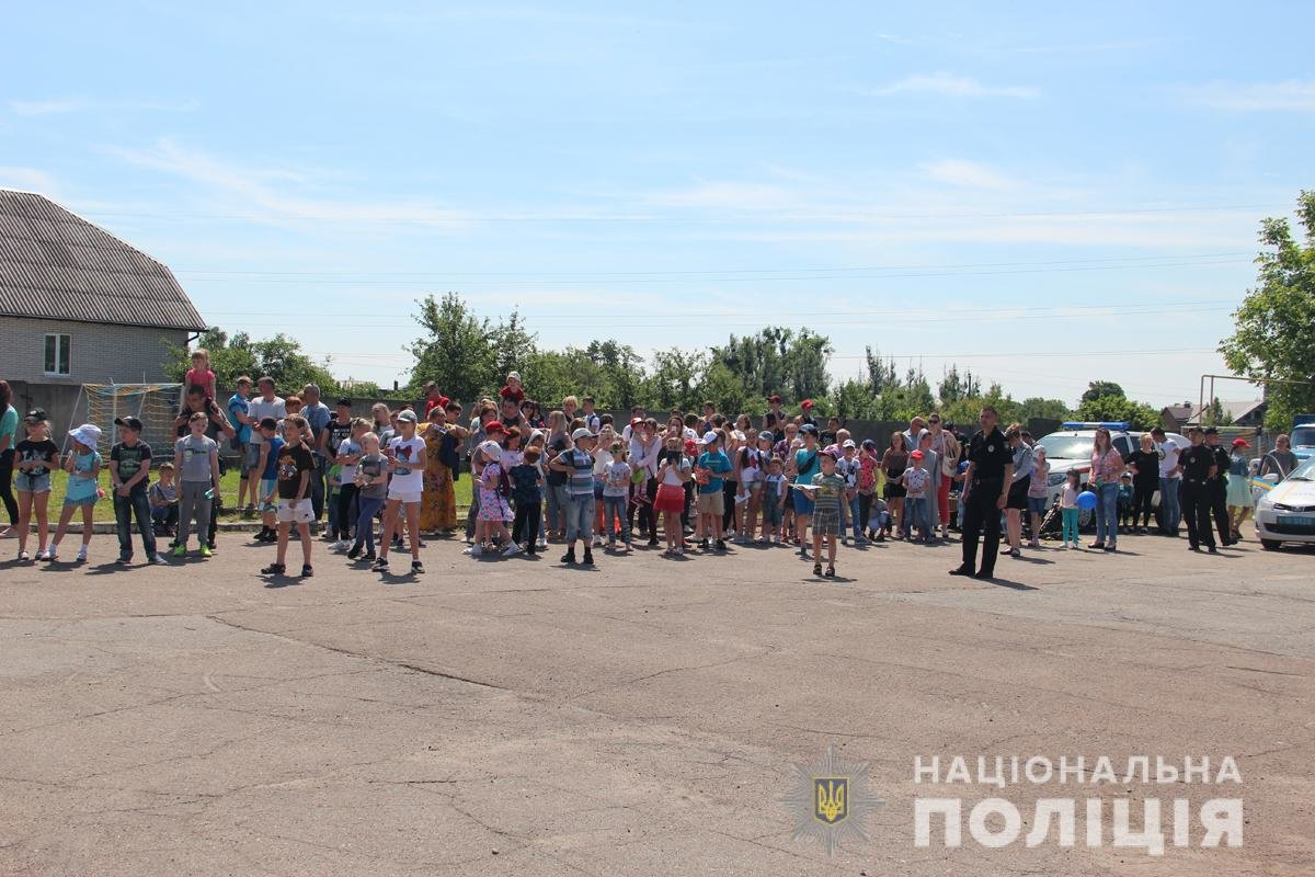 Поліція Житомирської області влаштовувала свято для дітей, фото-13