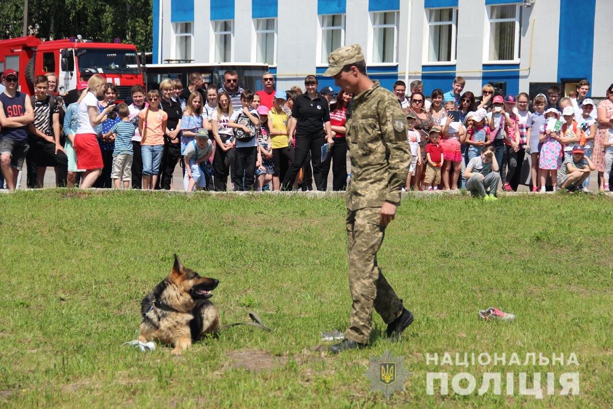 Поліція Житомирської області влаштовувала свято для дітей, фото-2