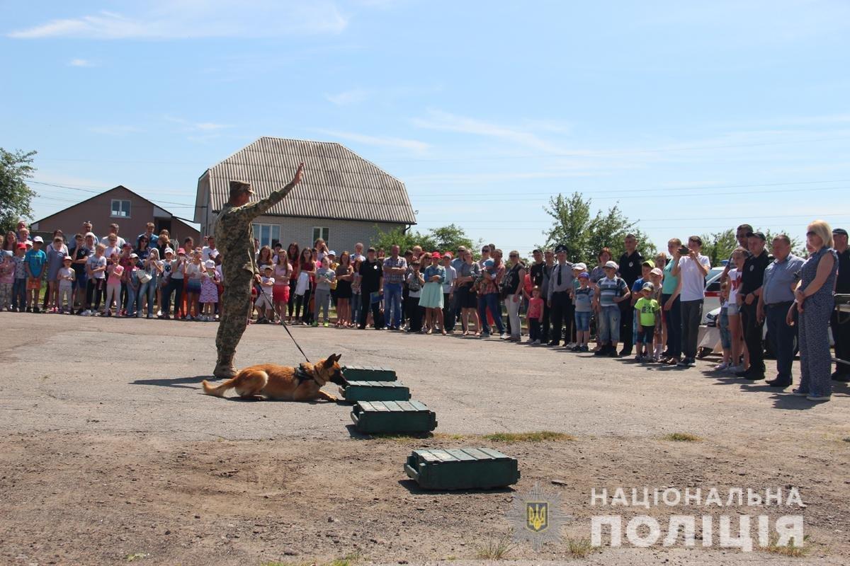Поліція Житомирської області влаштовувала свято для дітей, фото-4
