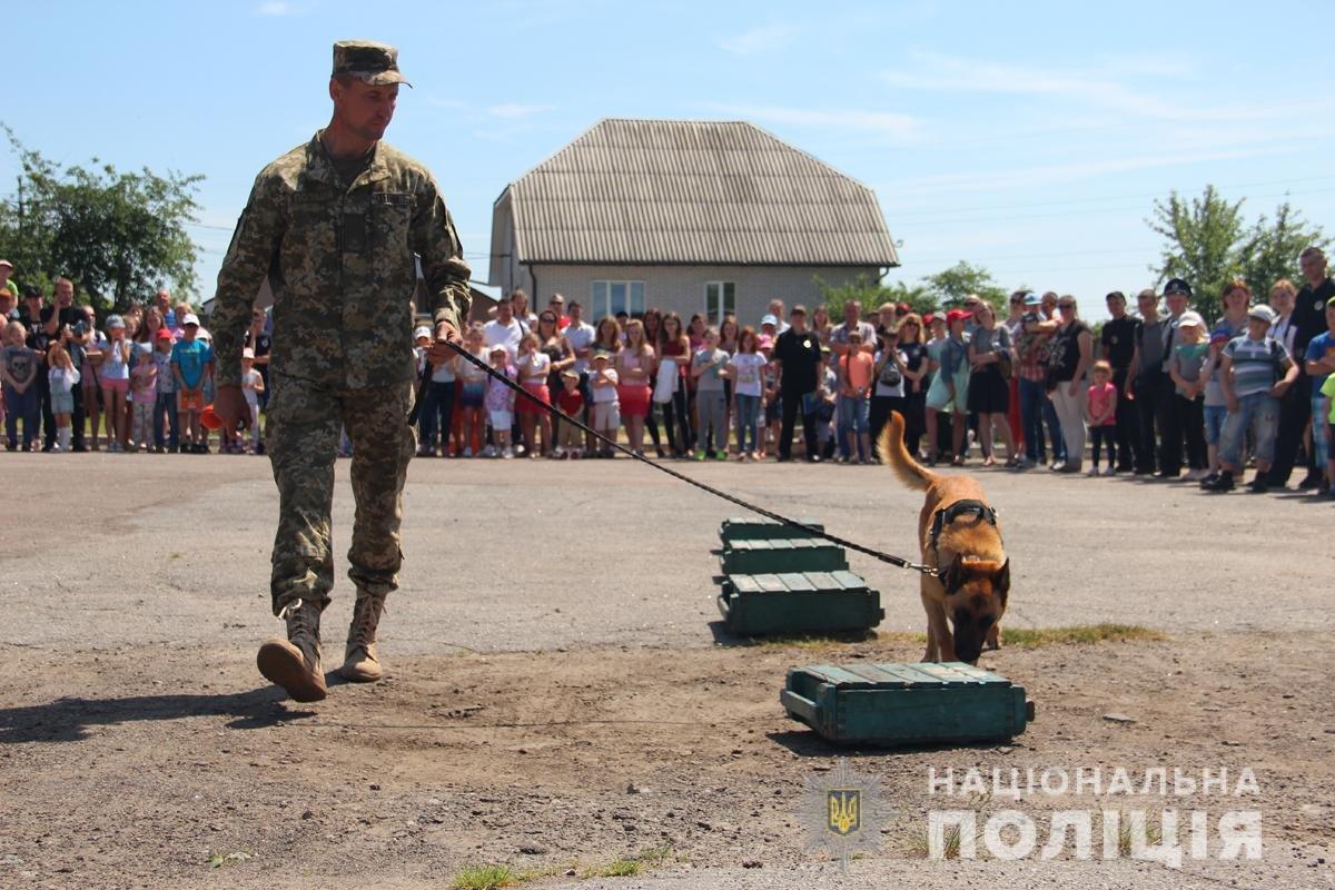 Поліція Житомирської області влаштовувала свято для дітей, фото-3