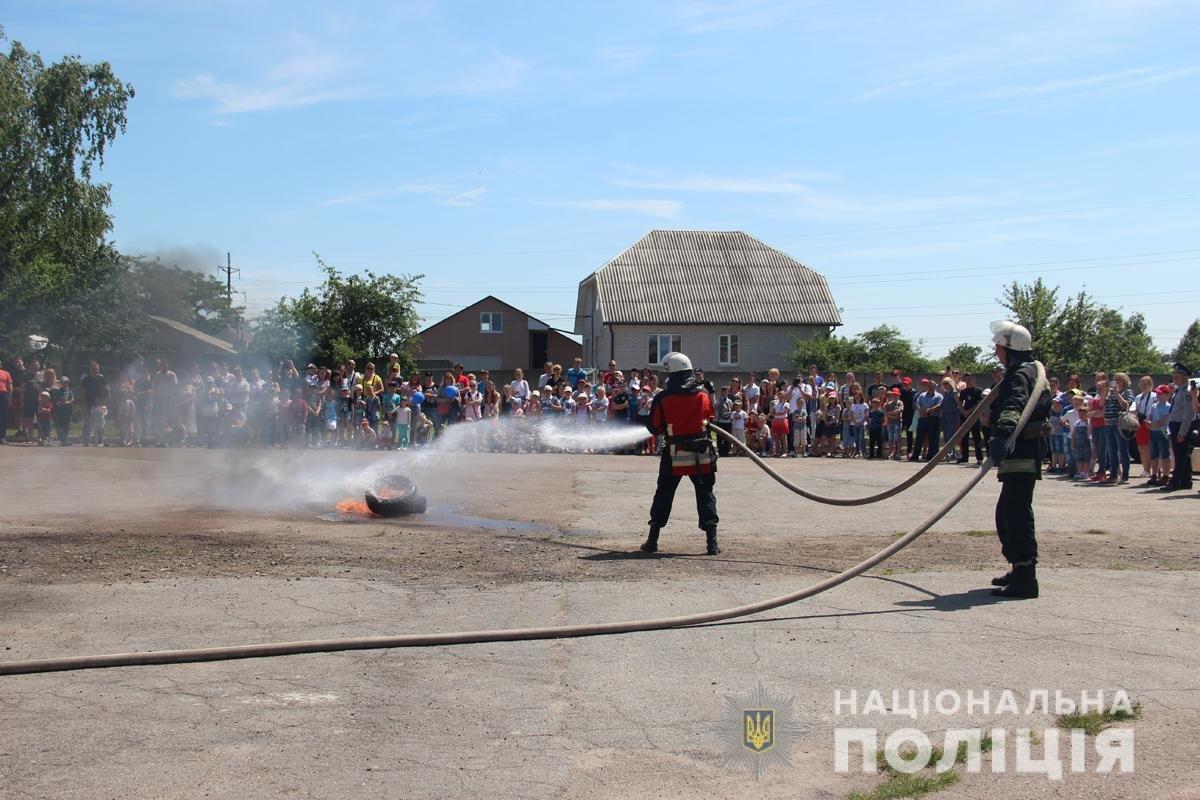 Поліція Житомирської області влаштовувала свято для дітей, фото-6