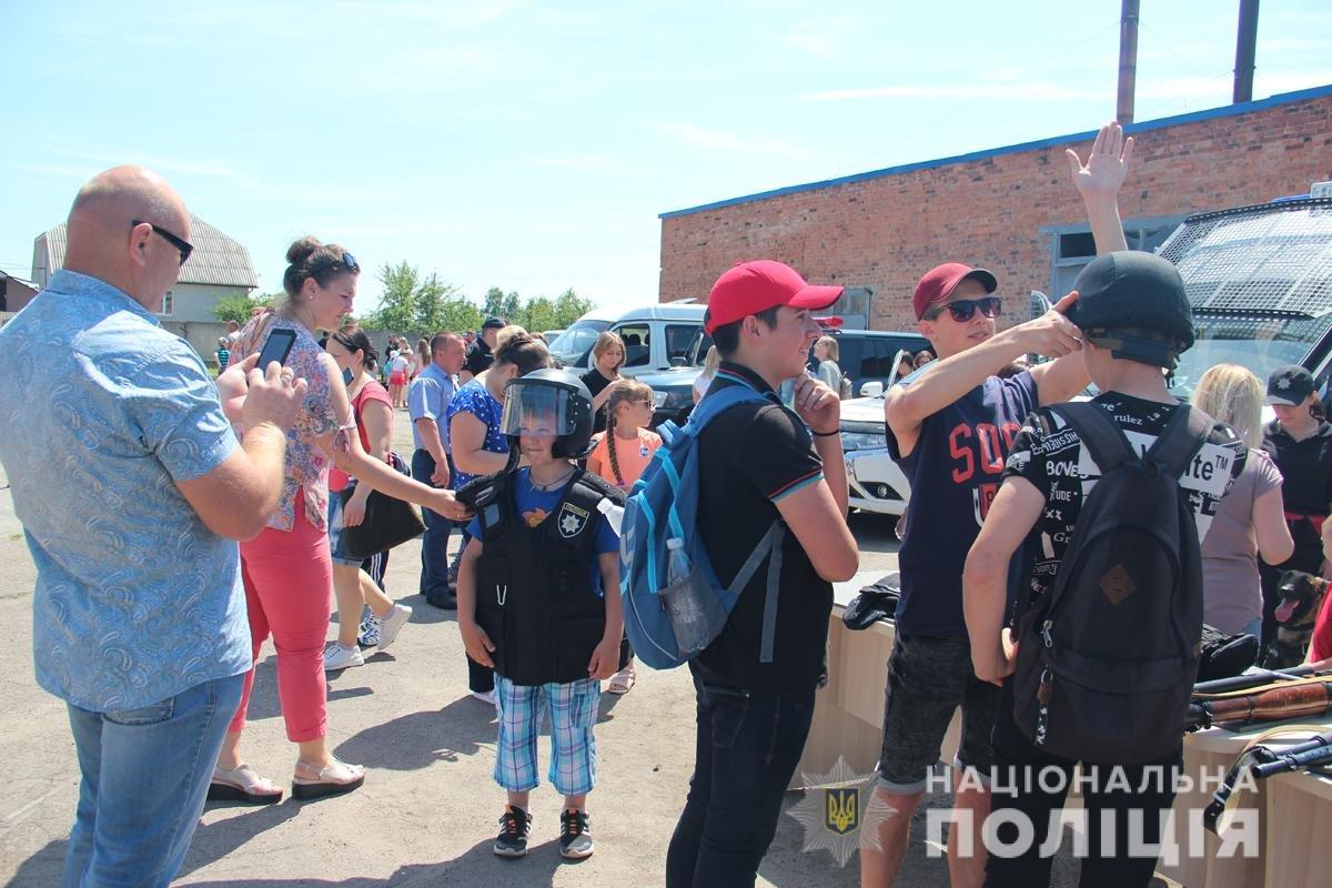 Поліція Житомирської області влаштовувала свято для дітей, фото-7