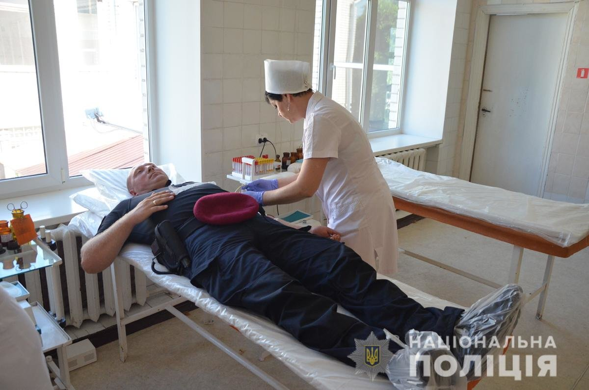 Правоохоронці Житомирщини долучились до Всесвітнього дня донора, фото-2