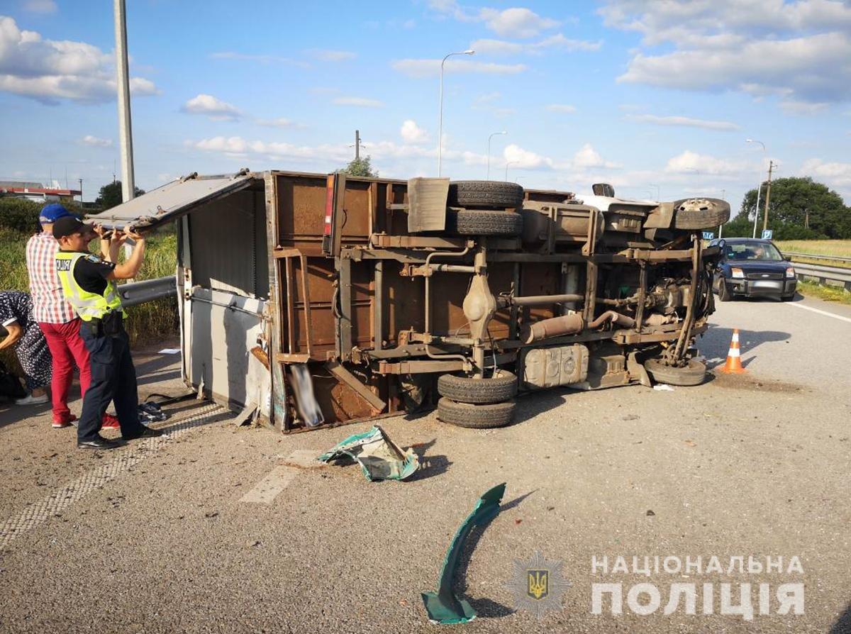 Внаслідок ДТП на Житомирщині постраждало двоє людей, фото-1