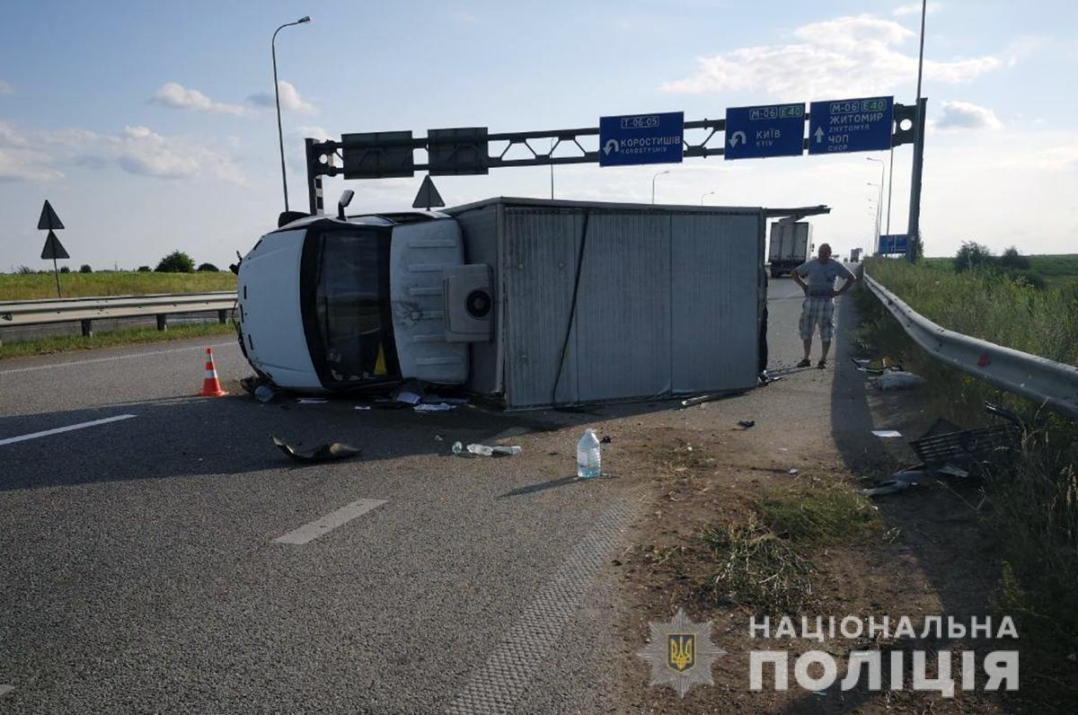 Внаслідок ДТП на Житомирщині постраждало двоє людей, фото-3