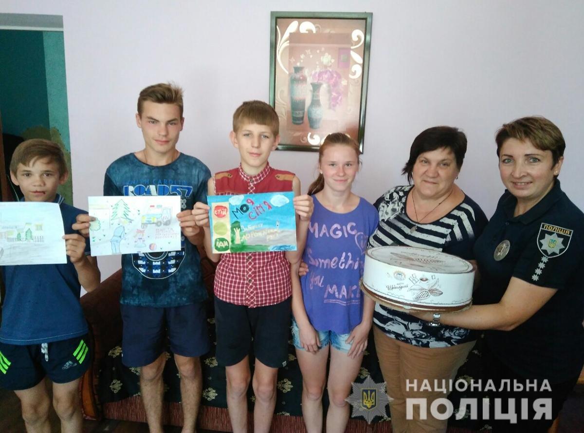Поліція Житомирщини готується до фіналу конкурсу дитячого малюнку в ролі жюрі, фото-4