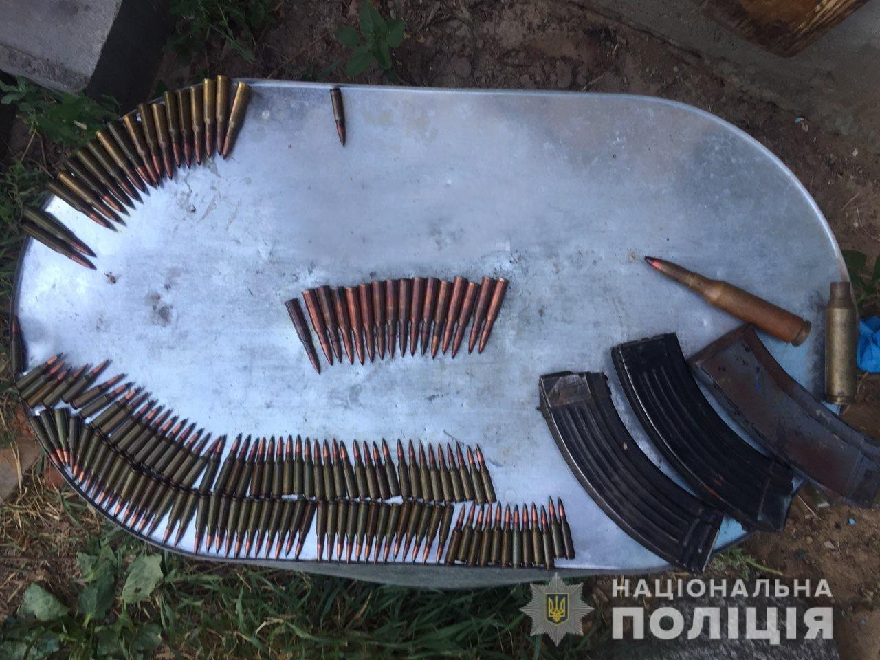 У Житомирській області чоловік зберігав гранати у веранді та у дивані, фото-3