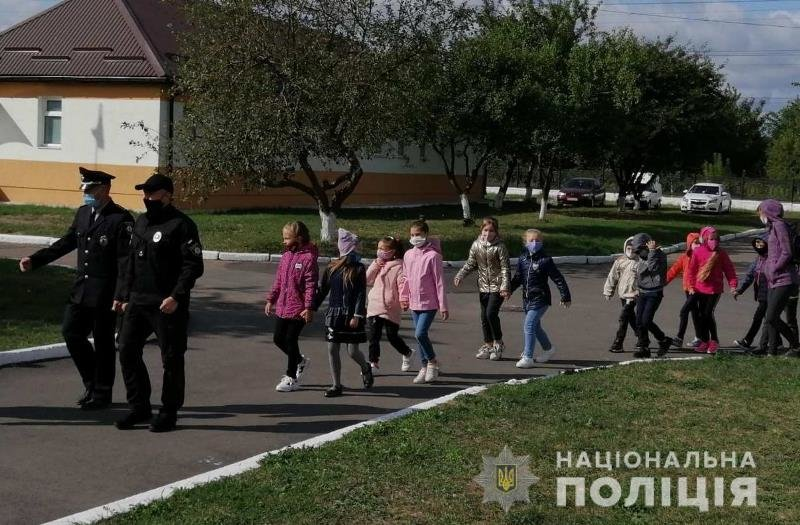 До житомирських поліцейських кінологів в гості завітали школярі, фото-2