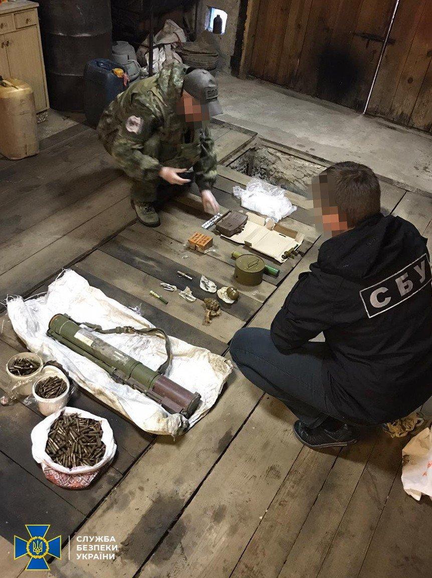 СБУ затримала на Житомирщині організатора угруповання, яке постачало зброю кримінальникам, фото-3